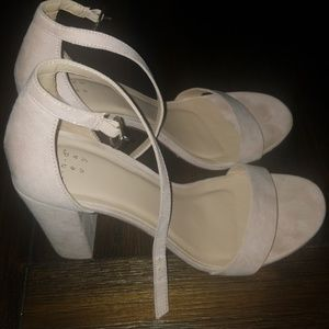 Womens suede chunky heels size 9